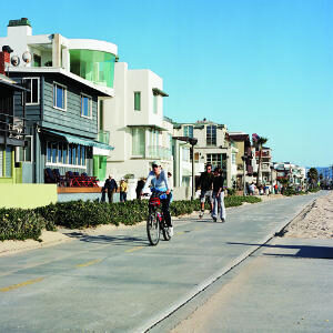 Electric Cars come to Hermosa Beach